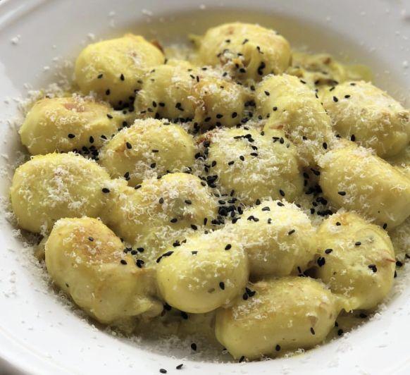 Ñoqui con salsa de queso